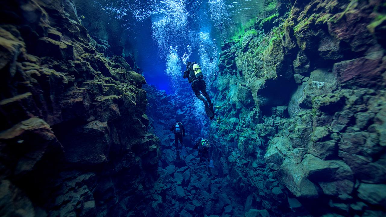 rgoNUwehTcqkwStQ0nfy_Bucket-list-dives-Silfra-SS-nudiblue-1280x720